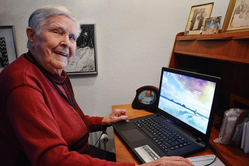 Hvis man ikke råber op en gang imellem, går det helt galt, mener 95-årige  Sofie Rasmussen, hvis mand var leder i KLF gennem 35 år. Hun opfordrer unge  til at ... ca2b25076bc1